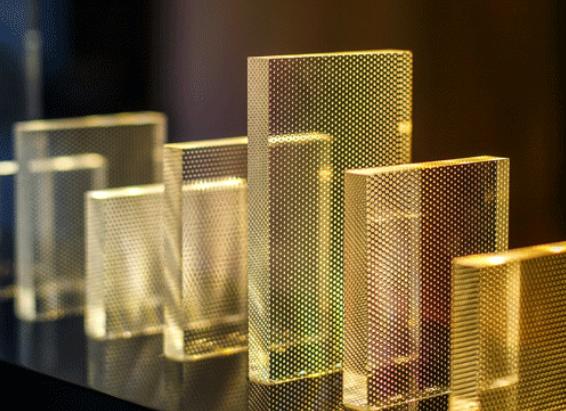 Impression numérique sur verre acrylique : de nombreuses applications
